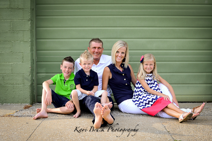 1000 images about family photo ideas on pinterest urban for Urban family photo ideas